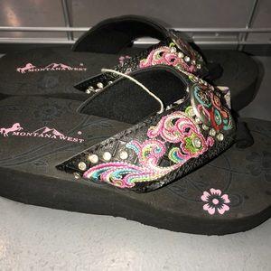 8732ef45018666 Montana West Shoes - Montana West Sugar Skull Embroidered Flip Flops